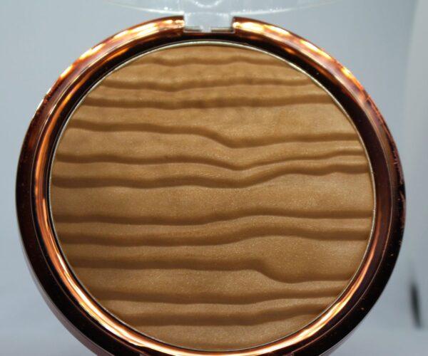L'Oreal Glam Bronze La Terra Sunpowder face & body